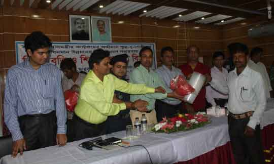 Distribution of agricultural inputs, Gopalpur the free distribution of agricultural inputs to farmers.