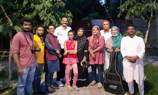 নারায়ণগঞ্জে নৌকাভাসানে সাউন্ড বাংলা-ঈদ আড্ডা অনুষ্ঠিত