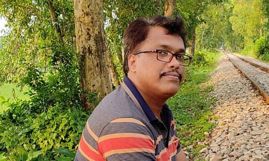 মনিরুজ্জামান প্রমউখ' এর তিন কবিতা- অমরত্ব-ফল, স্বাধীনতা'র প্রান্তিক অনুকম্পন, পথে'র নকশা